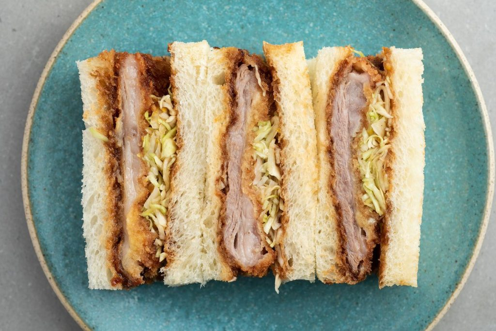 comer sandwich japones en tokio