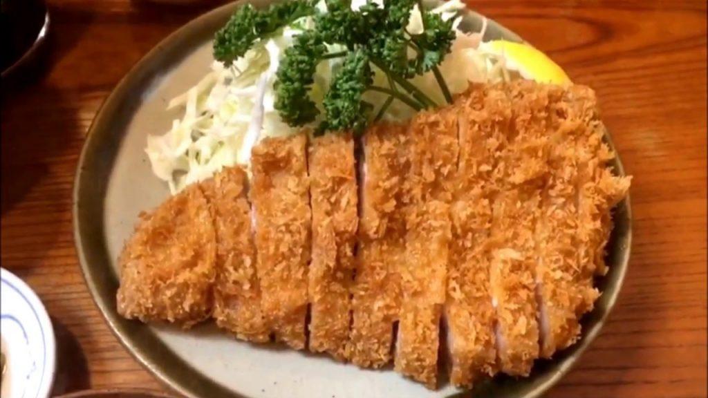 comer tonkatsu en tokio